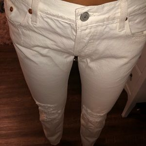 Levi white bf fit jeans